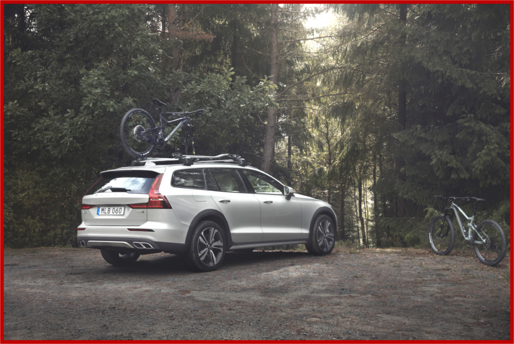 AutoInformed.com on Volvo 2019 V60 Cross Country Estate